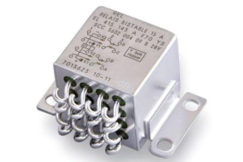Przekaźniki / przełączniki elektryczne